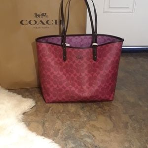 *NWT*Reversible Authentic Coach Tote Bag